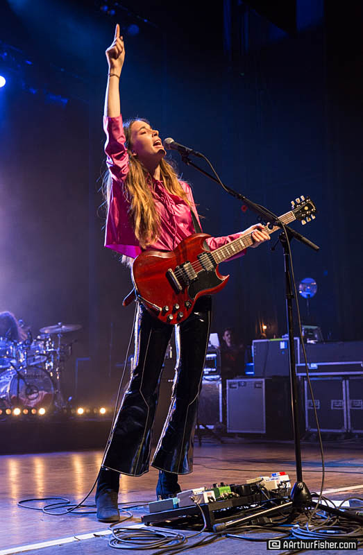 Haim Packs the House
